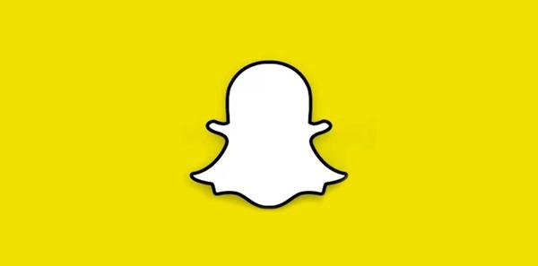 تحميل تطبيق لمحادثات الشات مجانا للاندرويد والايفون Download Snapchat 2015 Free