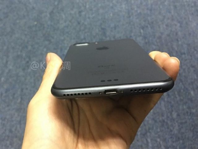 iPhone 7 Space Black (2)