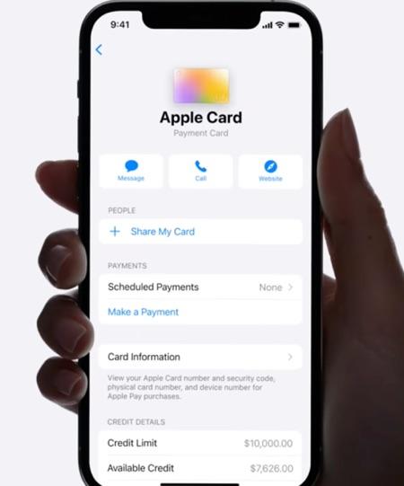 Προσθήκη μέλους οικογένειας στην κάρτα Apple